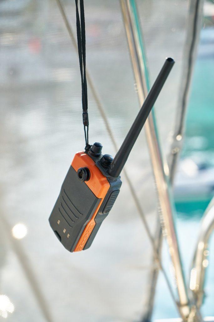 boat rental radio