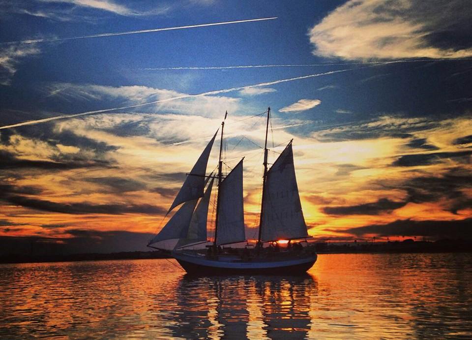 schooner_sunset_sail_cruise_01