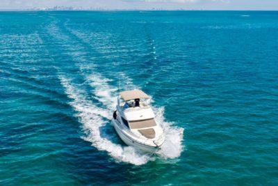 42' Maxum Flybridge Boat for Rent (19)