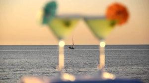 drinks on a miami yacht rental